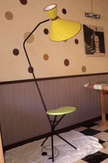 lampadaire tripode vintage 60 39 s meubles d coration lampes spot lampe huile b ziers. Black Bedroom Furniture Sets. Home Design Ideas