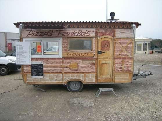 vend remorque a pizza au feu de bois caravanes camping car divers caravanes camping car. Black Bedroom Furniture Sets. Home Design Ideas