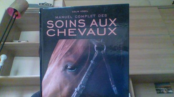 vend un livre sur les chevaux