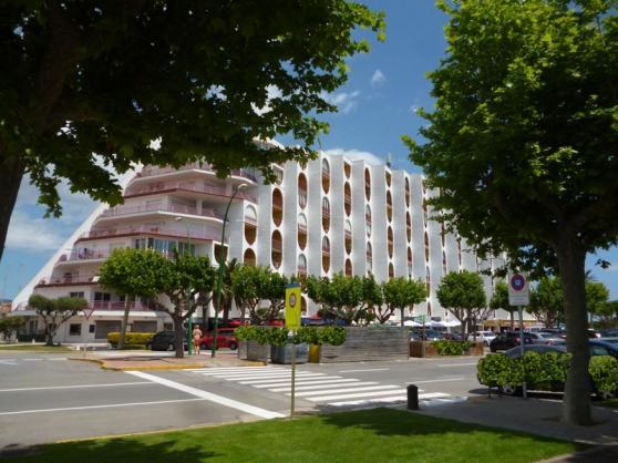 espagne baie rosas appt mer part loue immobilier location saisonni re espagne barcelone. Black Bedroom Furniture Sets. Home Design Ideas