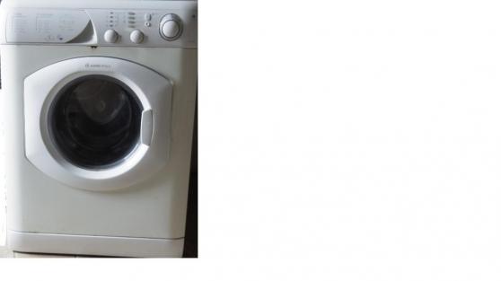 Petite Annonce : Machine lavante+sechante - Escription : ARISTON MODELE AML 125 ( avec manuel)   lavante 4-5