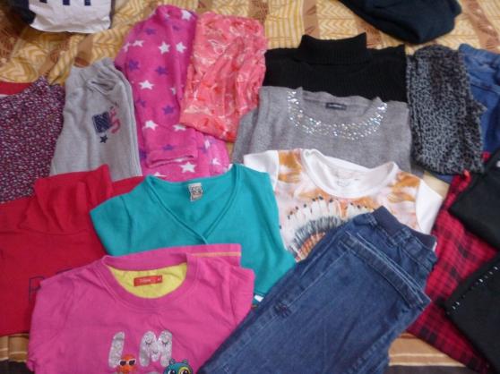 lot de 17 vêtements fille 7/9 ans - Annonce gratuite marche.fr