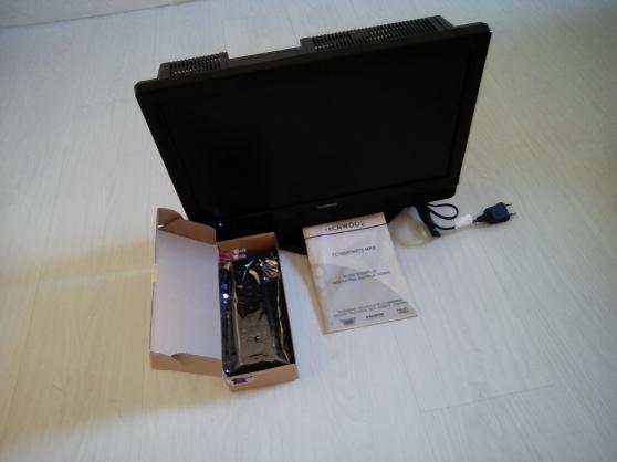 Téléviseur à écran plat 48 cm