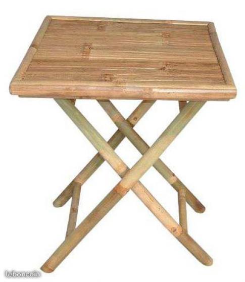 Table carrée, banc et chaise en bambou