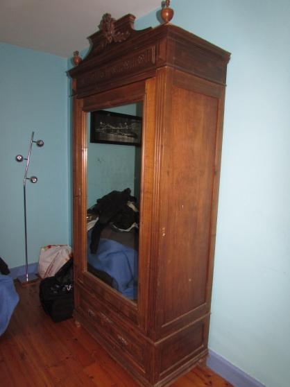 belle armoire avec miroir