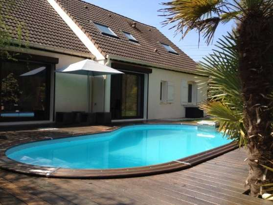Belle maison avec piscine l signy immobilier a vendre for Achat petite piscine