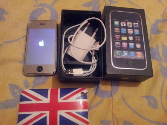 i phone 3 g s apple