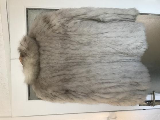 Vend manteau en fourrure - Photo 2