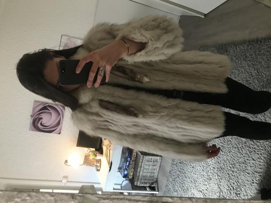 Vend manteau en fourrure - Photo 3