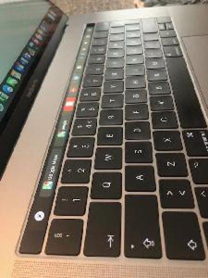 Macbook Pro Retina 15, 4 pouces mi 2018 - Photo 4
