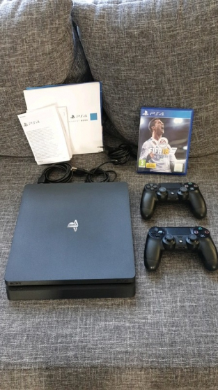 Annonce occasion, vente ou achat 'SONY PlayStation 4 (PS4) slim noir 500GB'