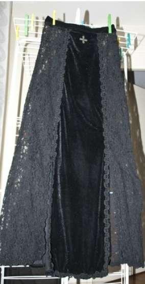 jupe goth gothique noir velour et dentel