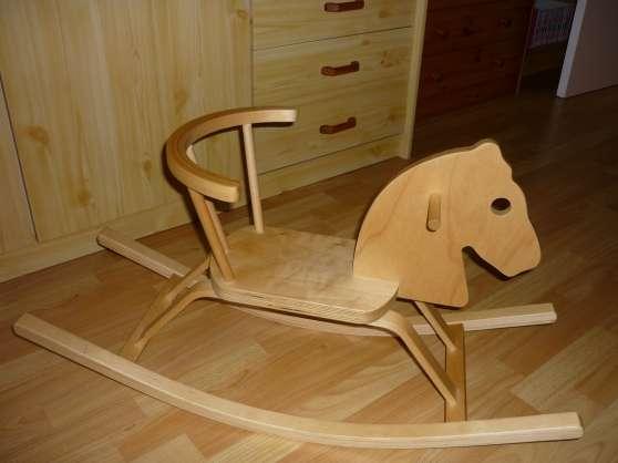 2 chevaux a bascule en bois - Annonce gratuite marche.fr