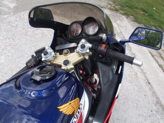 Moto Honda VF 1000 R - Photo 3