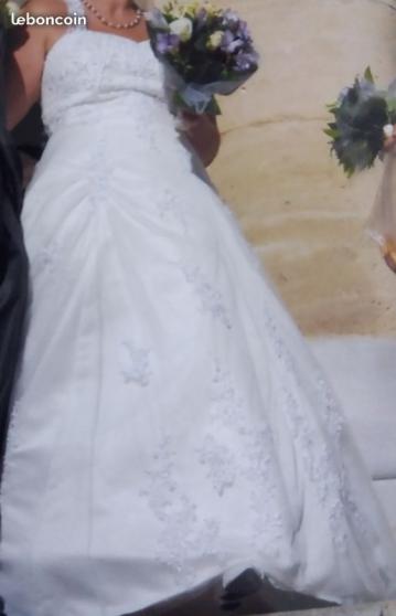 Robe de mariee + jupon