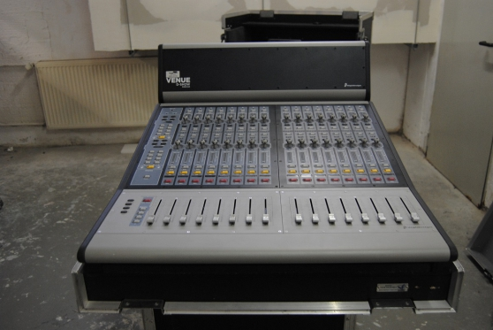 AVID D-Show System