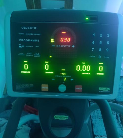 Vélo Elliptique TECHNOGYM Excite SP 700 - Photo 2
