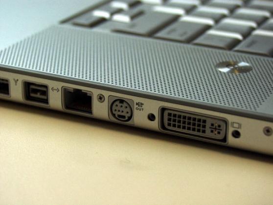 Particulier répare PC, tablette...