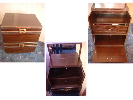 coiffeuse des ann es 80 houilles meubles d coration divers meubles d coration houilles. Black Bedroom Furniture Sets. Home Design Ideas