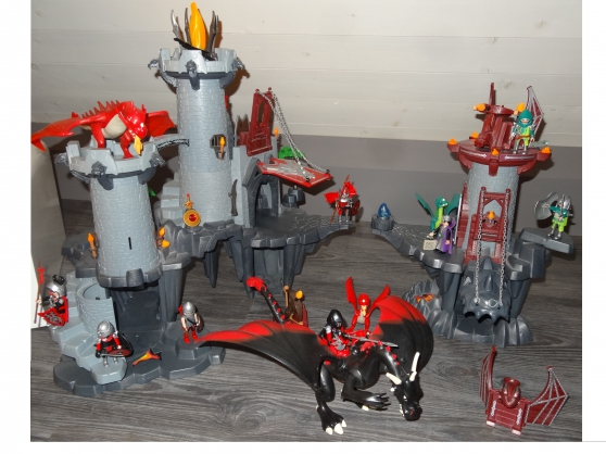 Annonce occasion, vente ou achat 'Playmobil occasion theme: dragons'