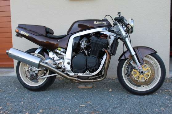 vend ou change suzuki 1100 gsxr de 1990 st martin de jussac moto scooter v lo motos. Black Bedroom Furniture Sets. Home Design Ideas