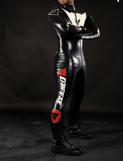combinaison latex logotype dainese v tements homme divers. Black Bedroom Furniture Sets. Home Design Ideas