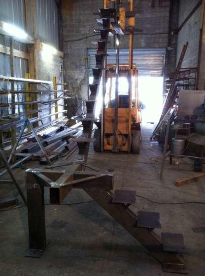 Escalier acier quart tournant pour march berni res mat riaux de constructio - Echelle pour escalier tournant ...