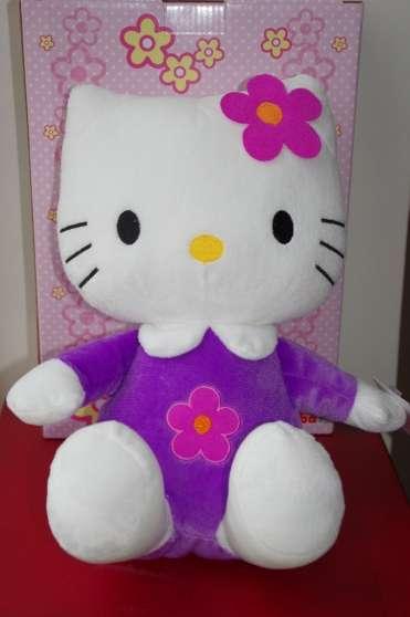 mega peluche hello kitty