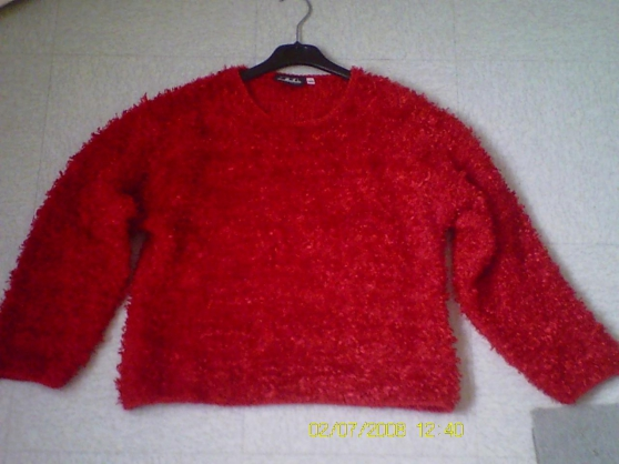 Pul rouge neuf (taille XXL .152) 8 euros