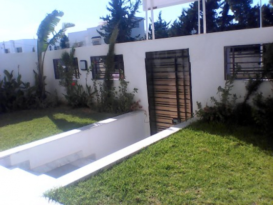 Villa S+3 neuve de luxe à Tunis Soukra