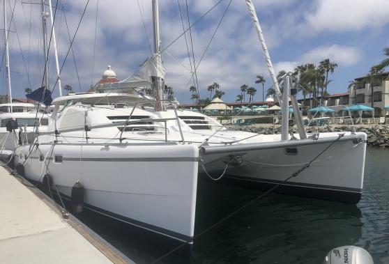 Catamaran Leopard 43 tres confortable