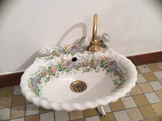 Lave main en porcelaine de Paris Cormery