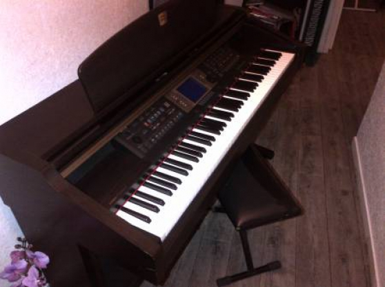 Donne Piano numérique YAMAHA/Accordéon