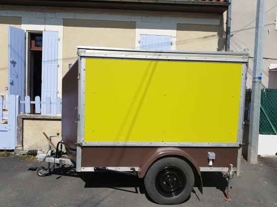 Annonce occasion, vente ou achat 'Remorque food truck chocolat et vert ani'