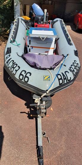 Bateau Zodiac de pêche sur remorque, 30c - Photo 2