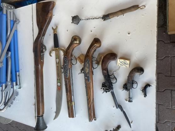 Réplique d armes anciennes (factices