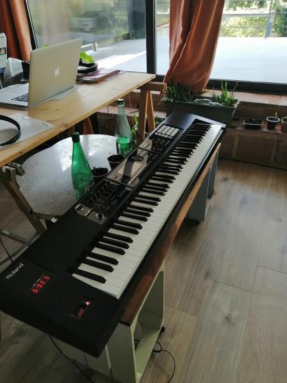 Piano + Synthé Roland FA-08 88 notes