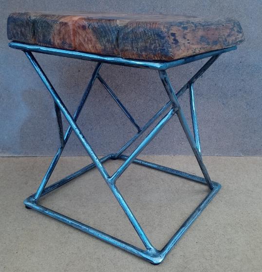 Tabouret carré INDUS métal et bois