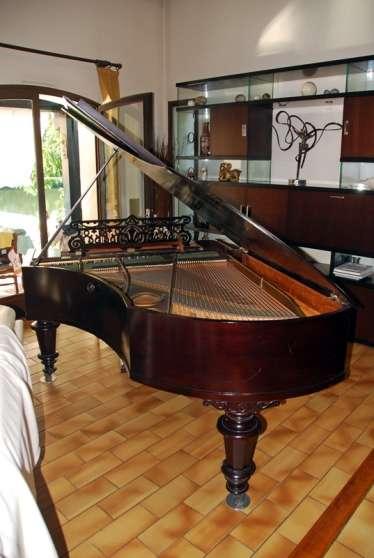 Piano à queue Bechstein