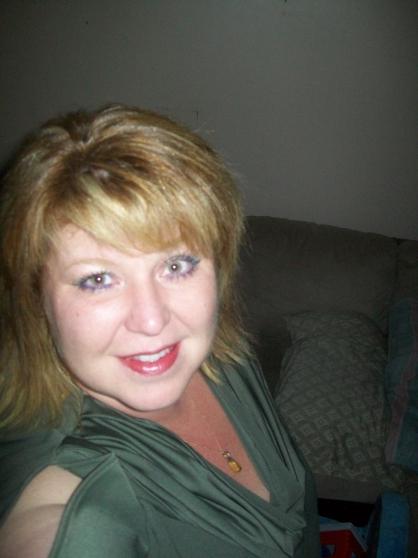 Femme cherche colocation contre services