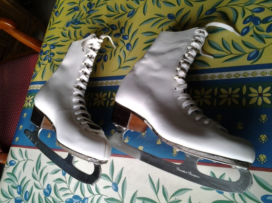 Annonce occasion, vente ou achat 'Vends patins à glace femme'