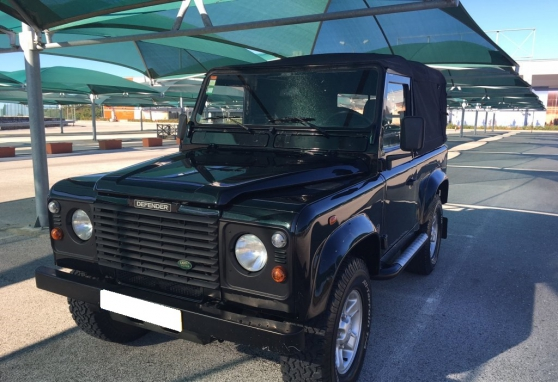 a donn ma voiture land rover defender auto land rover argenteuil reference aut lan a d. Black Bedroom Furniture Sets. Home Design Ideas