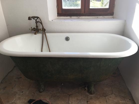 vente baignoire en fonte pied de lion antiquit art brocantes meubles anciens villeblevin. Black Bedroom Furniture Sets. Home Design Ideas