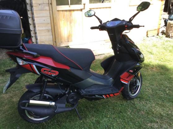 scooter vastro 50c - Annonce gratuite marche.fr