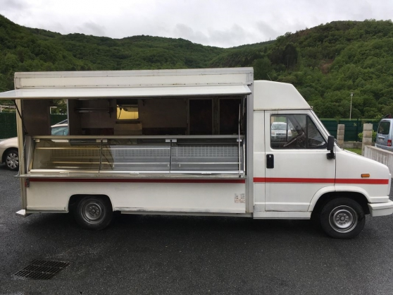 Peugeot J5 VERSION Food truck camion sna