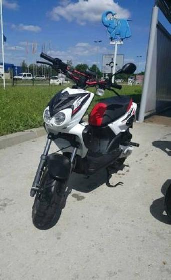 Yamaha Slider (MBK Stunt) 2k16