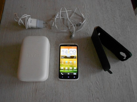 Annonce occasion, vente ou achat 'HTC One X 32 Go presque neuf'
