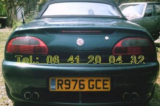 cabriolet anglais 2 places vert 145CV