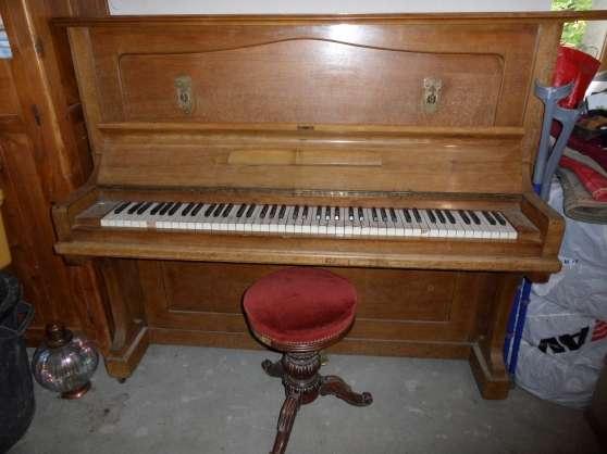 vend piano droit st julien en genevois musique instruments piano st julien en genevois. Black Bedroom Furniture Sets. Home Design Ideas