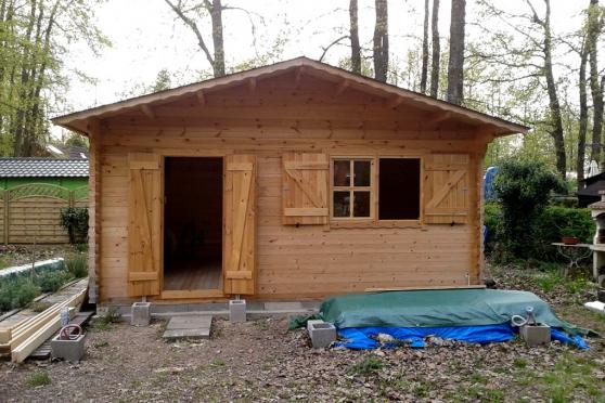 Petite Annonce : Terrain 340m2 avec chalet 25m2 - Terrain 340 m2 avec petit chalet de 25 m2 en bon état dans domaine